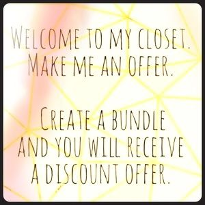 Discount on all bundles! 👜👚👒👗👙👠🌺